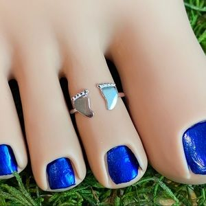 Jewelry - Baby Feet sterling adjustable toe/midi ring
